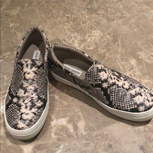 Steve Madden Women's Gills Slip-On Sneaker